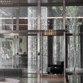 HENDRIX+STUDIO | Columnas de aluminio pulido | 2015